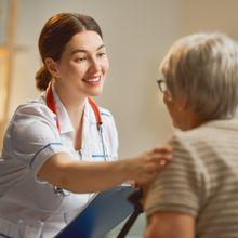 Cuidar a quienes cuidan. Ayudando a personas dependientes